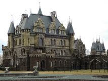 Castelo de Garibaldi em um dia nebuloso na mola imagens de stock royalty free