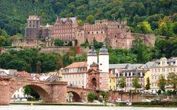 Castelo de Heidelberg e ponte velha, Alemanha Imagem de Stock Royalty Free