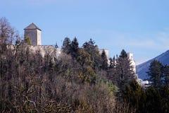 Castelo de Hohensalzburg em Salzburg em Áustria imagem de stock