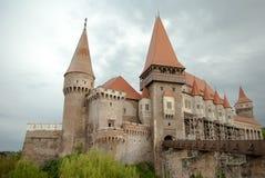 Castelo de Hunyad Castelo medieval na Transilvânia Vajdahunyad Foto de Stock Royalty Free