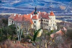 Castelo de Jezeri, poço de CSA, Boêmia norte, república checa imagem de stock