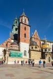 Castelo de Krakow - de Wawel no dia Foto bonita de Krakow da cidade no sol fotografia de stock