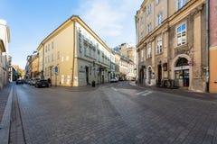 Castelo de Krakow - de Wawel no dia Foto bonita de Krakow da cidade no sol imagens de stock royalty free