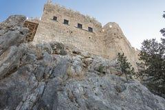 Castelo de Lindos no console do Rodes Foto de Stock