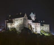 Castelo de Loket na noite escura Imagem de Stock