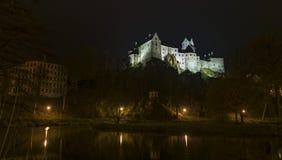 Castelo de Loket na noite escura Imagem de Stock Royalty Free