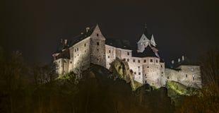 Castelo de Loket na noite escura Foto de Stock Royalty Free