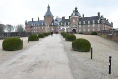 Castelo de Mediaval com castlemoat e ponte levadiça Fotos de Stock Royalty Free