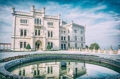 Castelo de Miramare perto de Trieste, filtro análogo fotos de stock