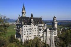 Castelo de Neuschwanstein nos alpes bávaros Imagem de Stock