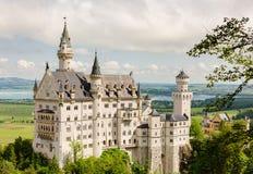 Castelo de Neuschwanstein situado perto de Fussen no sudoeste Baviera, Alemanha Fotos de Stock Royalty Free