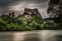 Castelo de Orava em Eslováquia após a tempestade imagens de stock royalty free