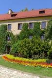 Castelo de Pieskowa Skala no verão Fotografia de Stock Royalty Free