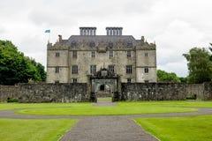 Castelo de Portumna na Irlanda com vista do jardim imagem de stock royalty free