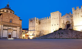 Castelo de Prato e igreja velha de Carceri do delle de Santa Maria Imagem de Stock Royalty Free
