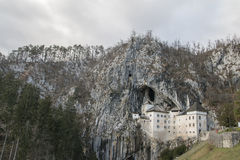 Castelo de Predjama Fotos de Stock Royalty Free