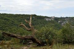Castelo de Rocamadour do outro lado do vale imagem de stock royalty free
