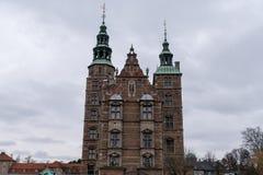 Castelo de Rosenborg em Copenhaga, casa das joias de coroa dinamarquesas fotos de stock royalty free