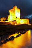 Castelo de Ross na noite, Kerry do Co. - Ireland Fotos de Stock