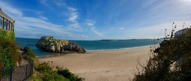 Castelo de Tenby, opinião panorâmico da praia Foto de Stock Royalty Free