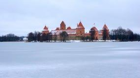 Castelo de Trakai no inverno Fotografia de Stock Royalty Free