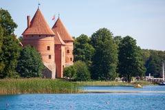 Castelo de Trakai, um dos destinos os mais populares do turista em L imagem de stock