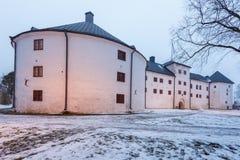 Castelo de Turku na estação do inverno Construção medieval na cidade de Turku em Finlandia foto de stock royalty free