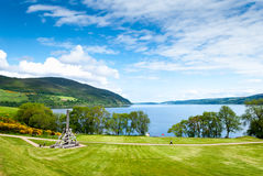 Castelo de Urquhart no lago Loch Ness, Escócia imagem de stock