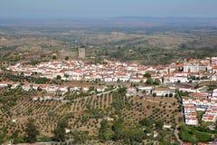 CASTELO DE VIDE, PORTUGAL: Vista aérea da cidade velha fotografia de stock