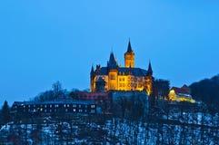 Castelo de Wernigerode na noite Fotografia de Stock Royalty Free