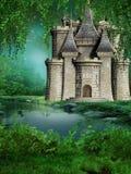 Castelo do conto de fadas pelo rio Fotografia de Stock Royalty Free