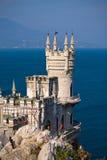 Castelo do ninho da andorinha em Crimeia, Ucrânia fotos de stock