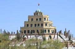 Castelo e cactos fotos de stock royalty free
