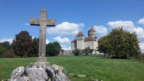 Castelo e cruz Fotografia de Stock Royalty Free