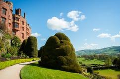 Castelo e jardim de Powis imagens de stock royalty free