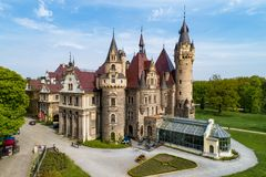 Castelo em Moszna perto de Opole, Silesia, Polônia Foto de Stock