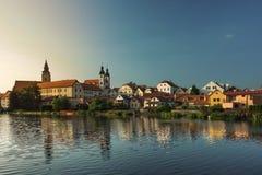 Castelo espetacular em um por do sol em Telc, uma cidade em Moravia, um local do patrimônio mundial do UNESCO em República Checa, Foto de Stock