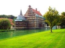 Castelo Huelshoff (na renovação) Fotografia de Stock Royalty Free