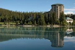 Castelo Lake Louise 2 fotos de stock royalty free