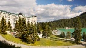Castelo Lake Louise de Fairmont Fotos de Stock Royalty Free