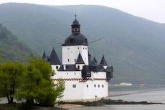 Castelo medieval ao longo do Rhine River em Alemanha Fotografia de Stock