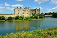 Castelo medieval inglês com fosso Fotografia de Stock Royalty Free