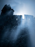 Castelo medieval misterioso imagem de stock royalty free