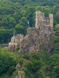 Castelo medieval na rocha Imagens de Stock