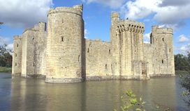 Castelo Moated em Inglaterra Fotos de Stock Royalty Free