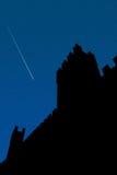 Castelo na noite fotos de stock royalty free