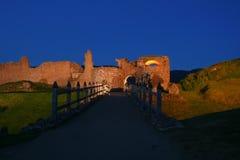 Castelo na noite Fotografia de Stock Royalty Free