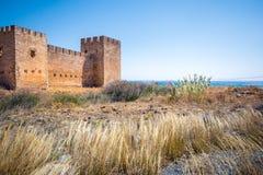 Castelo na praia de Frangokastello, Creta imagens de stock