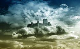 Castelo no céu fotografia de stock