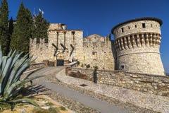 Castelo no monte Chidneo fotografia de stock